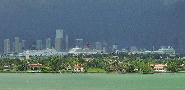 Miami-ship-storm